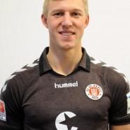 Fußballspieler Julian Koch unterstützt MOSAIK e.V.