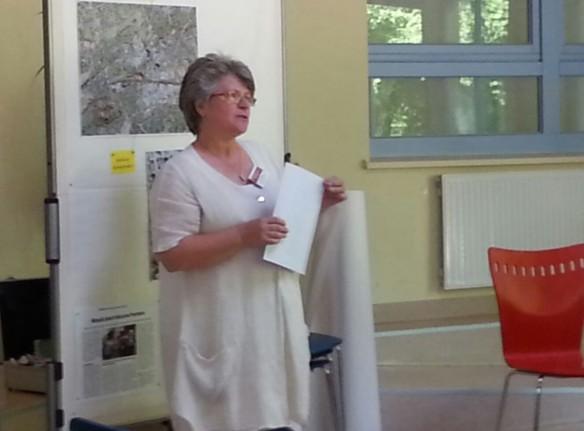 Frau Gabriele Wiemann begrüßt die Gäste.